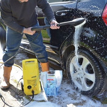 Safety Tips For Car Pressure Washing