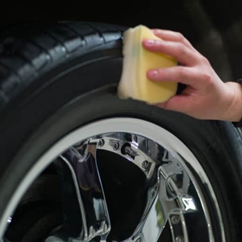 How to Apply Tire Shine Properly