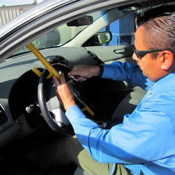 How to Install a Steering Wheel Lock