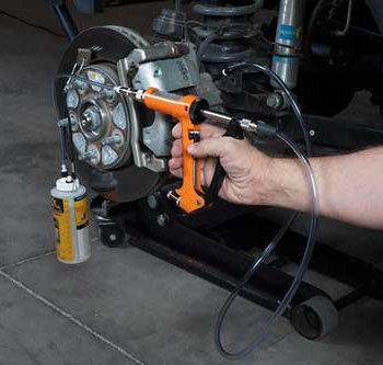 What Is the Difference Between Dot3 & Dot4 Brake Fluids