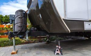 Best Floor Jacks for Lifted Trucks Featured